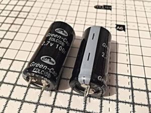Максимальное напряжение 2,7 В, емкость: 100Ф ФОТО