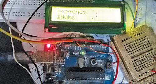 Функциональный генератор сигналов с регулируемой частотой